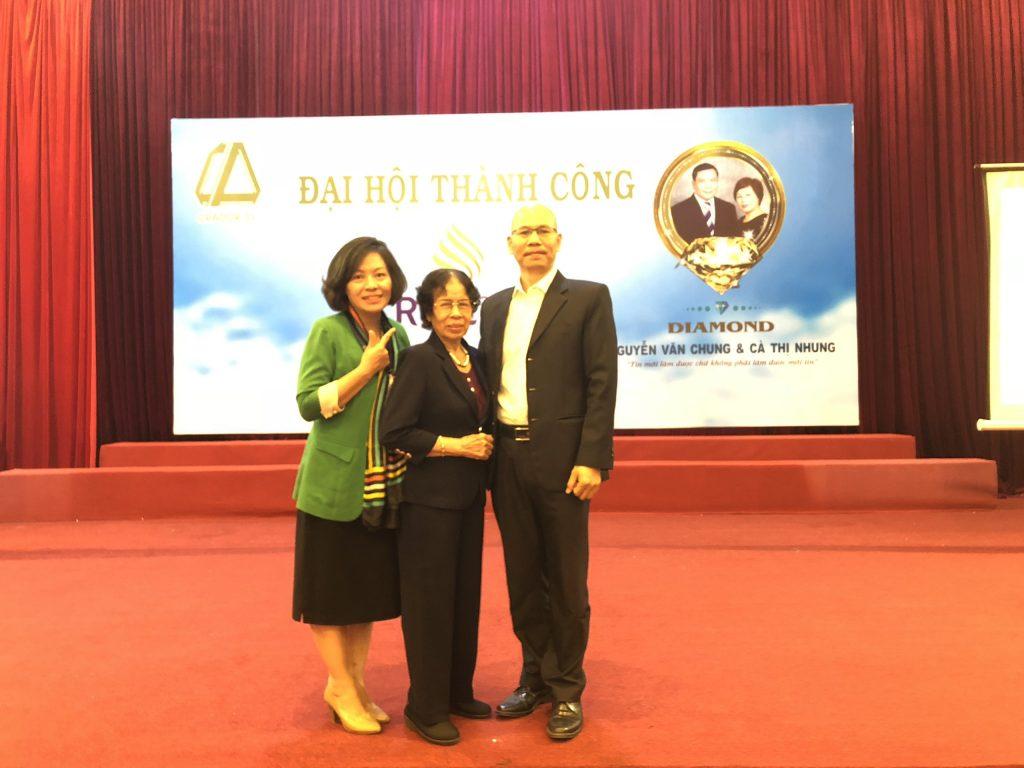 Platinum Trần Thị Bình là mẹ của Diamond Vũ Thị Phúc