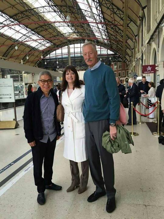 FCA Foo Howe Kean chụp với Vợ chồng ngài Steve Van Andel
